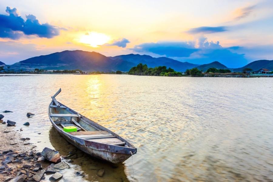 núi, mặt trời, nước, thuyền, xuồng