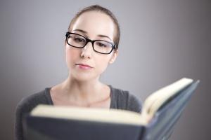 connaissances, lecture, femme, belle, livre, lunettes, jolie fille, fille, portrait