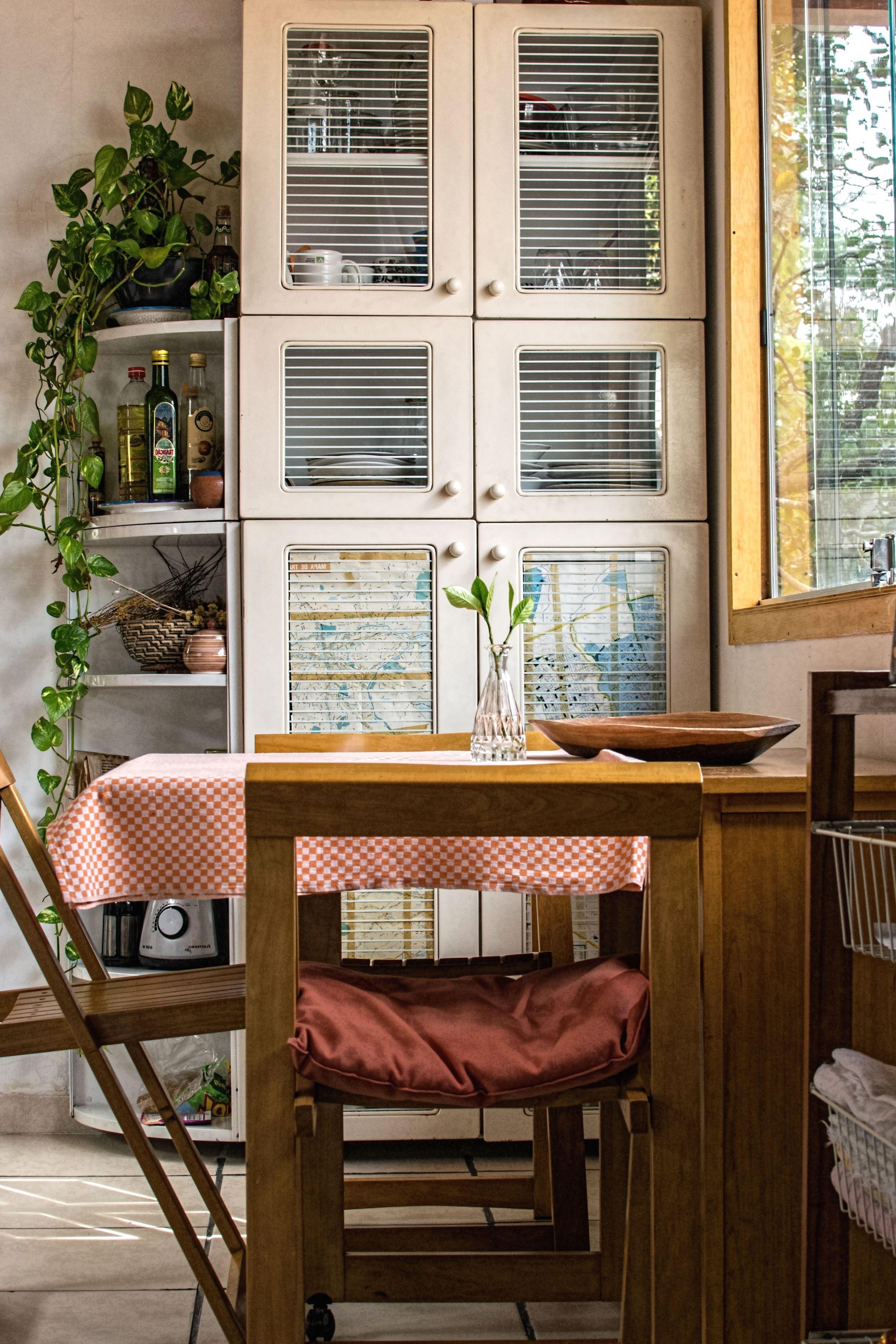 fenster k che einbaustrahler k che spritzschutz seitlich befestigung arbeitsplatte lieferzeit. Black Bedroom Furniture Sets. Home Design Ideas
