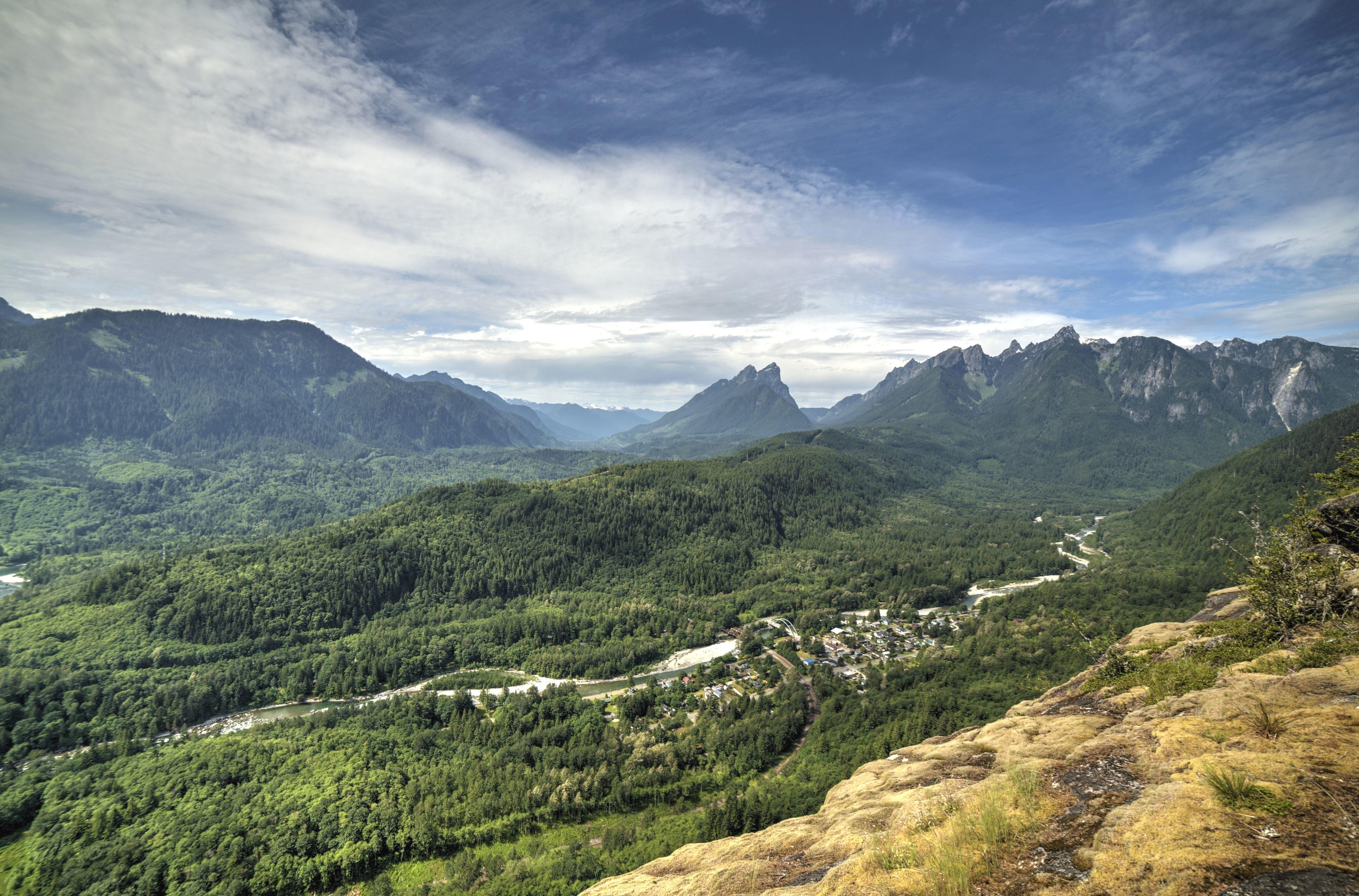 Gambar Gratis Pegunungan Alam Pohon Lanskap Awan