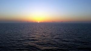 ορίζοντα, θάλασσα, ήλιος, ανεμογεννήτριες, σούρουπο