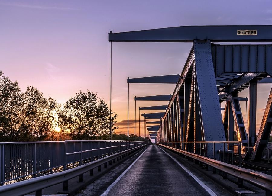 Architecture, pont, garde-corps, chemin de fer, route, trottoir, acier, crépuscule