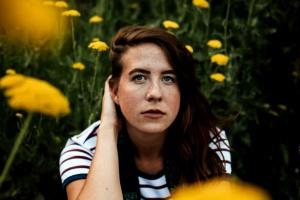 květiny, hezká holka, tráva, osoba, léto, Žena