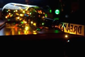 Notte, vita notturna, bottiglia, scuro, festeggiare, città, colorito