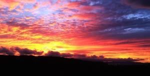 Cielo, sol, nube, colina, silueta