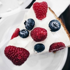 pie, dessert, plate, raspberry, sweet, blackberry, blueberry, cake, cream