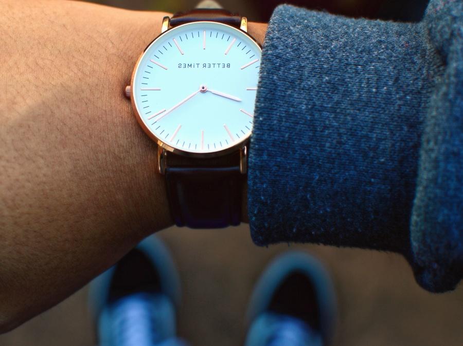 Armbanduhr am arm  Kostenlose Bild: Armbanduhr, Handgelenk, Uhr, Arm, Mode, Hand ...