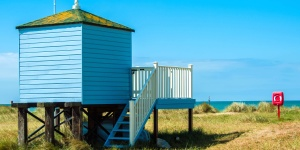θάλασσα, παραλία, καλύβα, ουρανός, ταξίδια, νερό, ξύλο, ξύλινος, γρασίδι, τοπίο