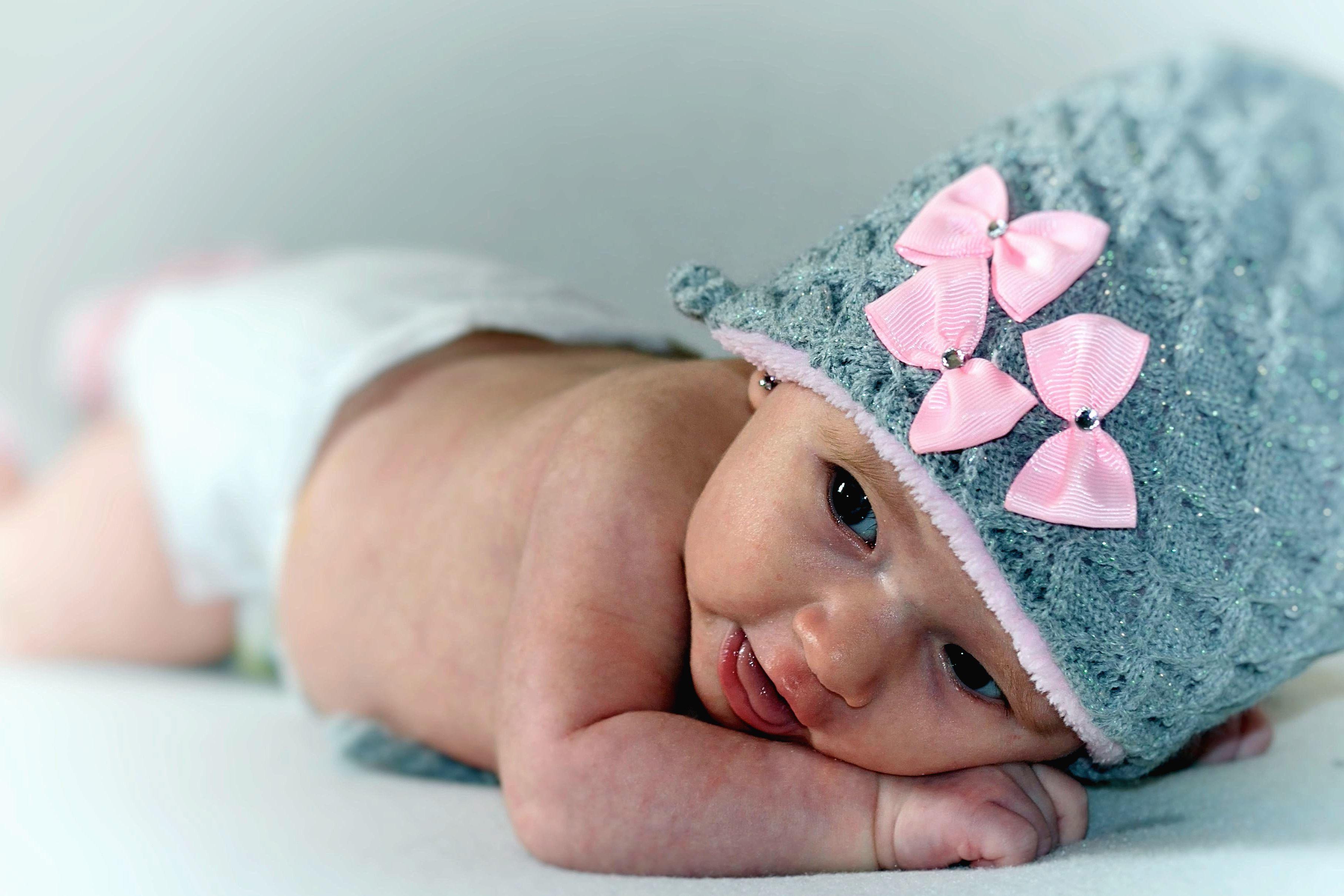 Imagen gratis: Bebé, niña, hermoso, cama, niño, lindo