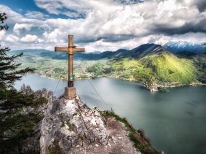 Viaje, árboles, nubes, cruz, valle, agua, madera