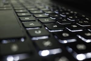 Компютърна клавиатура, бутони, технология