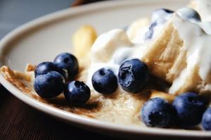 dessert, food, fruit, pastry, pie, plate, baked, blueberries