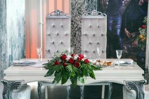 kvety, sedadla, stôl, stoličky, dekorácie, kvetina, usporiadanie