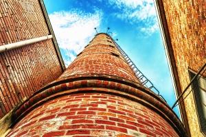 Échelles, cheminée, ciel, brique, bâtiment