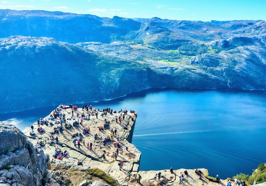 Mare, acqua, persone, rocce, scogliera, montagna, paesaggio