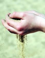 Hand, Sand, Boden, Mann, Granulat