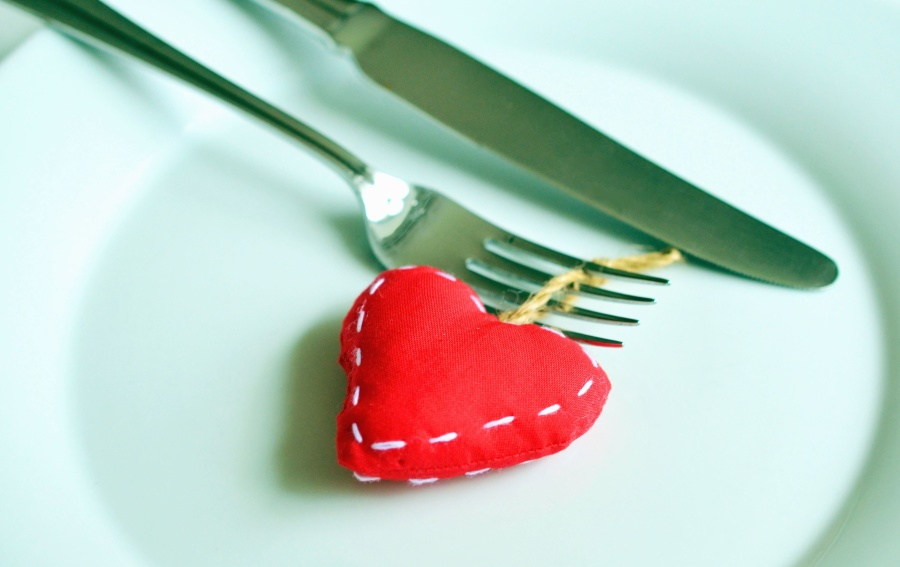 plate, fork, knife, cutlery, heart