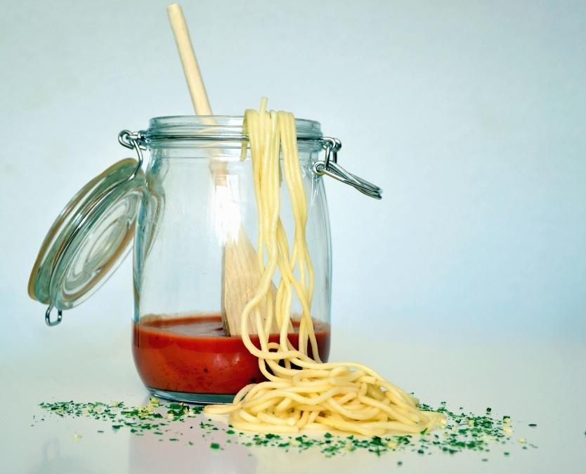 kostenlose bild glas l ffel nudeln sauce glas spaghetti. Black Bedroom Furniture Sets. Home Design Ideas