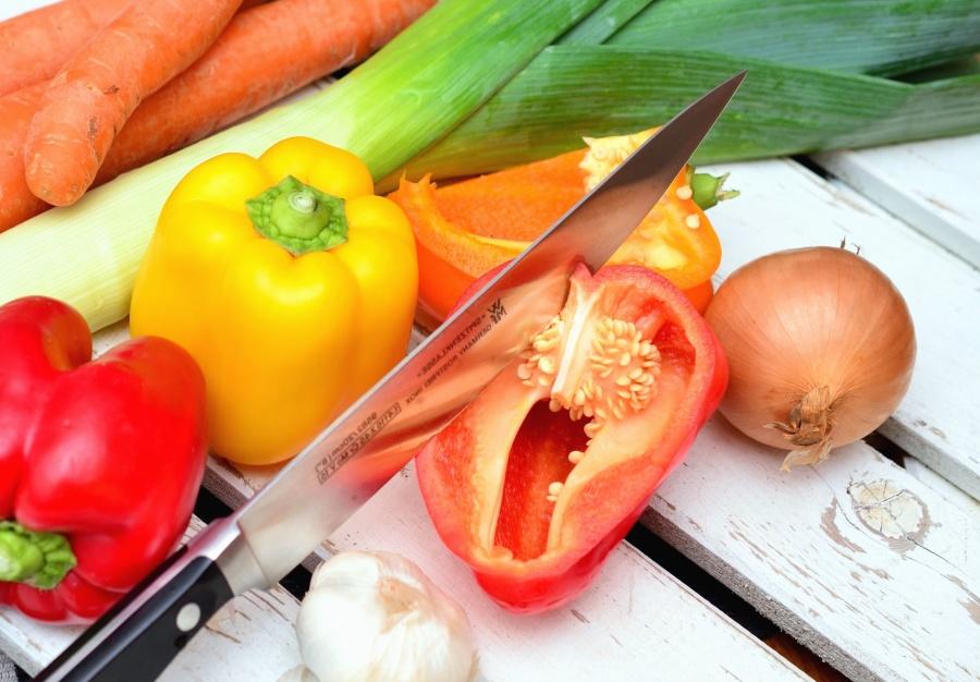 garlic, onion, knife, vegetable, table, food, carrot