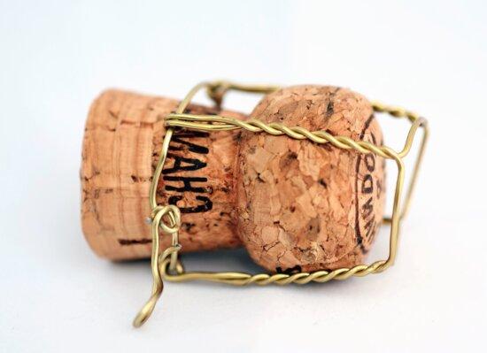 cork, wire, drink, wood