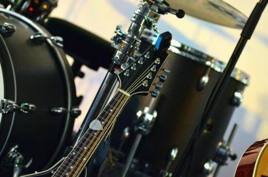 guitar, wire, drum, music