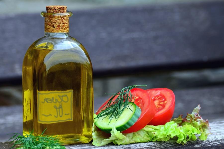 glass, bottles, oil, tomato, vegetable, cucumber, dill, cork