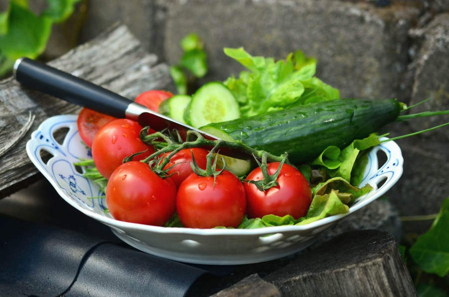 tomato, cucumber, knife, bowl, vegetables, food