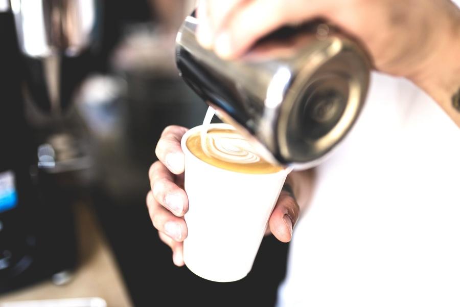 Tazza di caffè, crema, ristorante