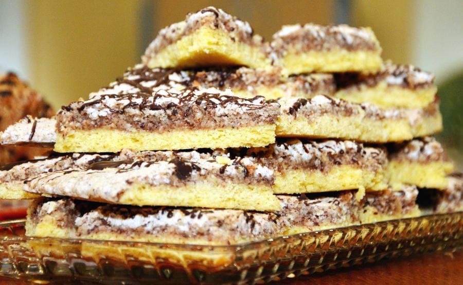 таблиці, блюдце, торт, солодкий, прикраса