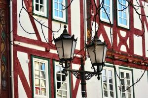 Straßenlaterne, Architektur, Fassade, Fenster, Zweig