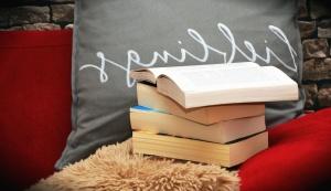 Libro, cuscino, letto, parete, mattone, apprendimento