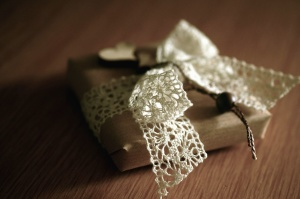 Crochet, cadeau, papier, emballage