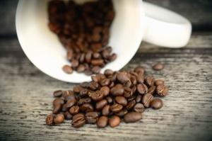 Tasse, café, grain, céramique, bois, surface