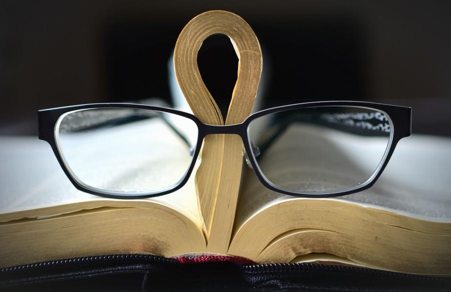 kostenlose bild brillen buch lesen lernen wissenschaft. Black Bedroom Furniture Sets. Home Design Ideas