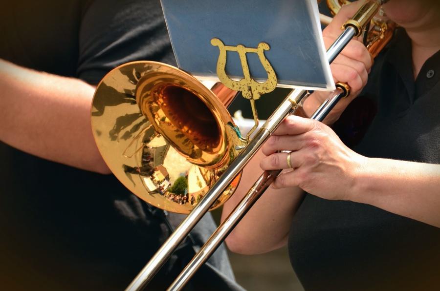 Tromba, strumento d'ottone, musica, mano, dito, musicista