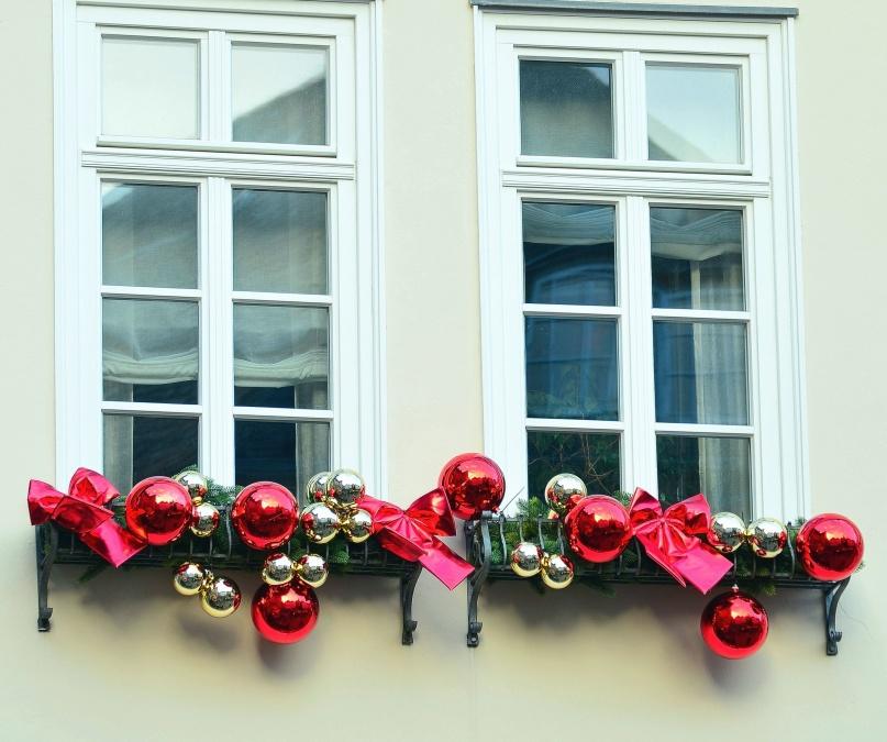 Imagen gratis decoraci n ventanas fachada navidad - Adornos navidad exterior ...