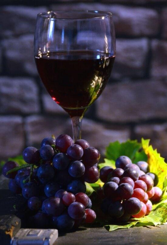 glass, fruit juice, grapes, fruit, leaf