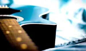 acoustic guitar, bed, object, macro