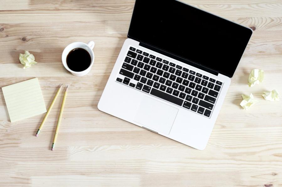 laptop számítógép, a kávé, a ceruza, a munkahelyi, a táblázat