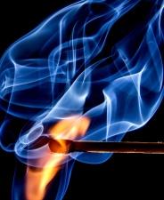 Lumière, obscurité, fumée, feu, flamme