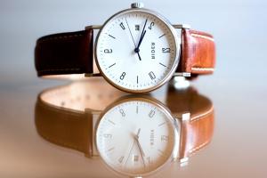 luxo, relógio, mesa de madeira, reflexão, tempo, relógio