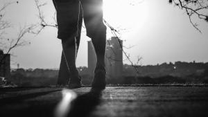 voet, schoen, broek, gebouwen, stad, zon