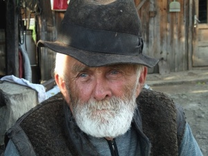 man, old, face, hat, beard, gray, eyes