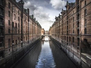 Canal, reflexión, puente, edificio, ventana