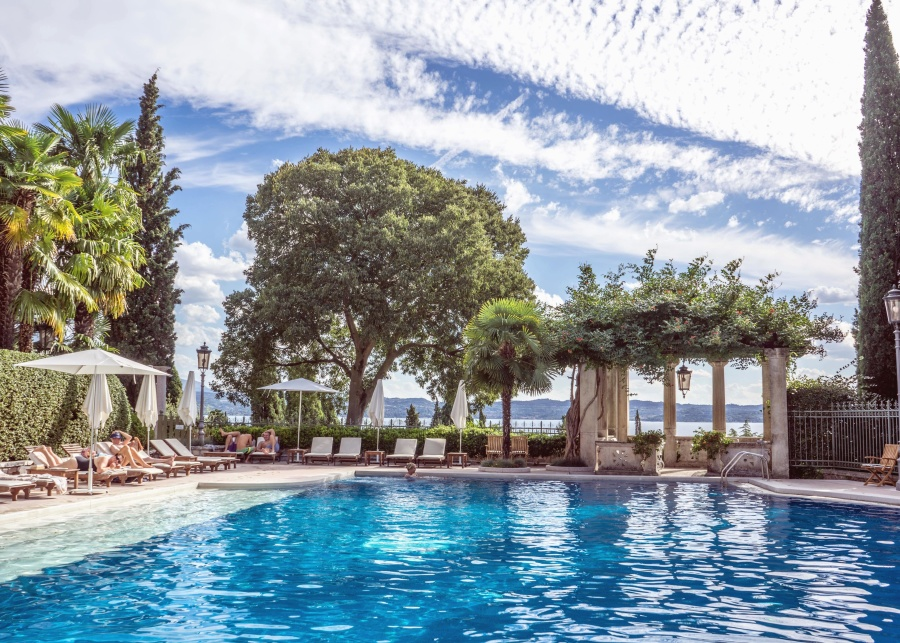 плавальний басейн води деревини, стілець, небо, море, літо, туризм, відпочинок