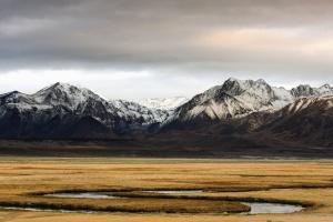 Montaña, paisaje, viaje, valle, rocas, nieve, nube