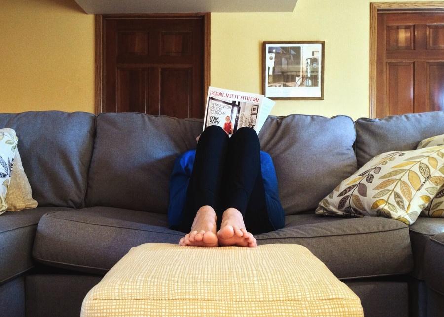 Foto gratis stanza divano mobili interno casa letto