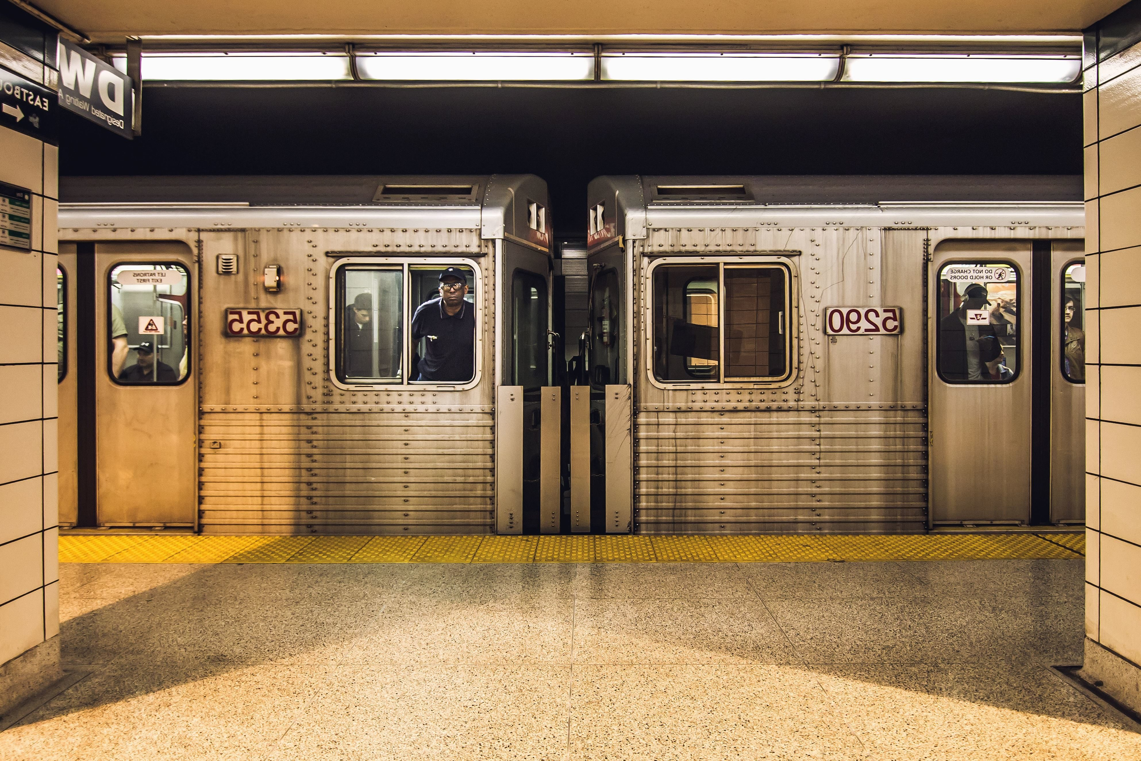 Foto gratis: treno vagone luce metropolitana piastrelle da parete