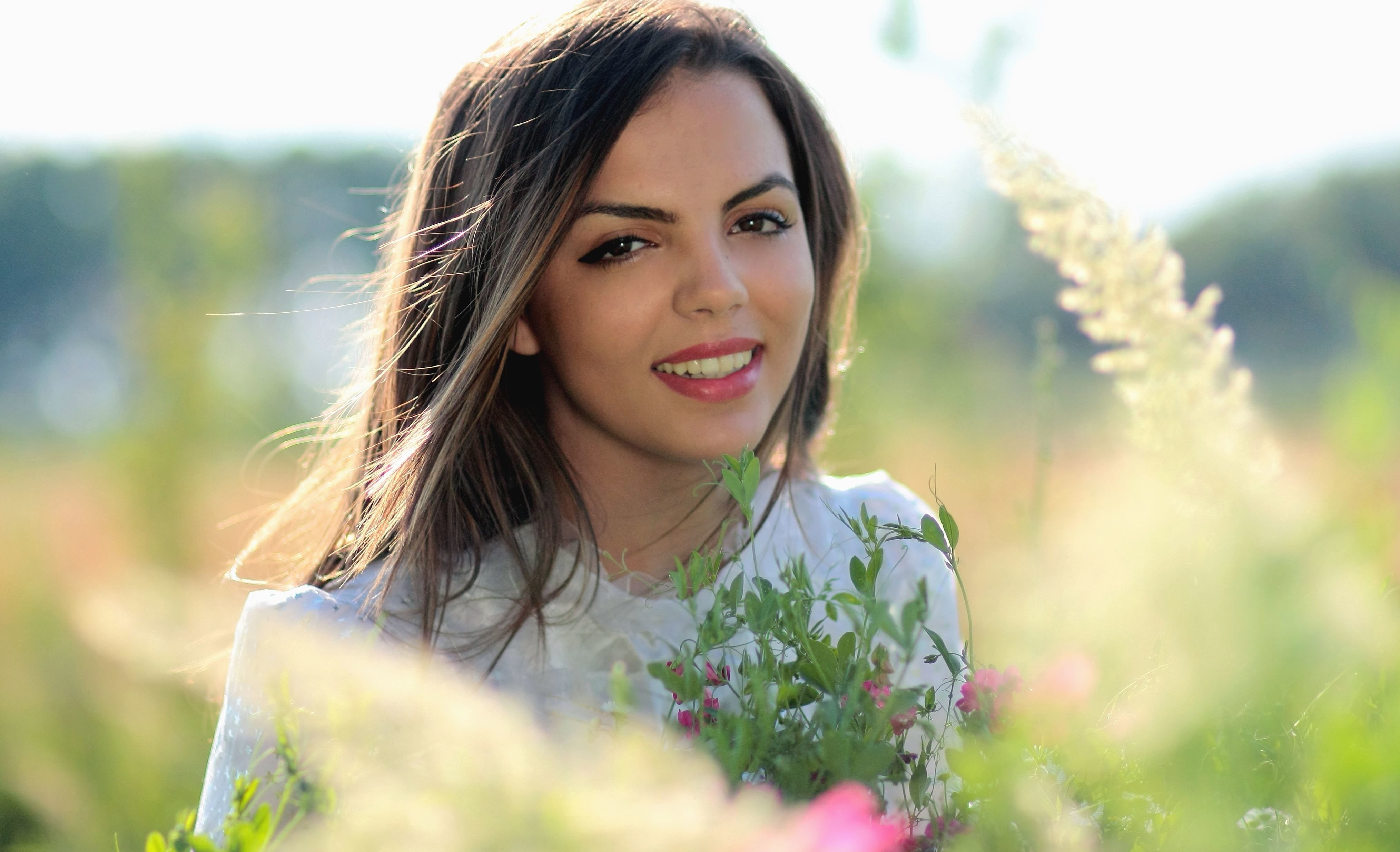 Free Picture Girl Beautiful Smile Makeup Plant