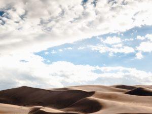 Dunes de sable, sable, désert, ciel, nuage